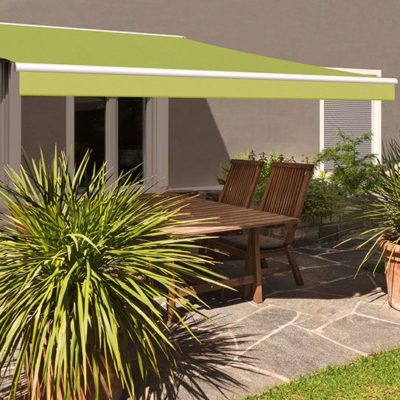 Grüne Terrassenmarkise