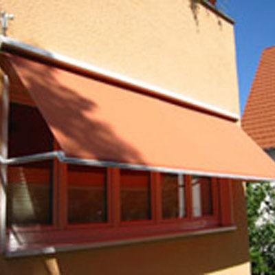 Fenstermarkise in orange